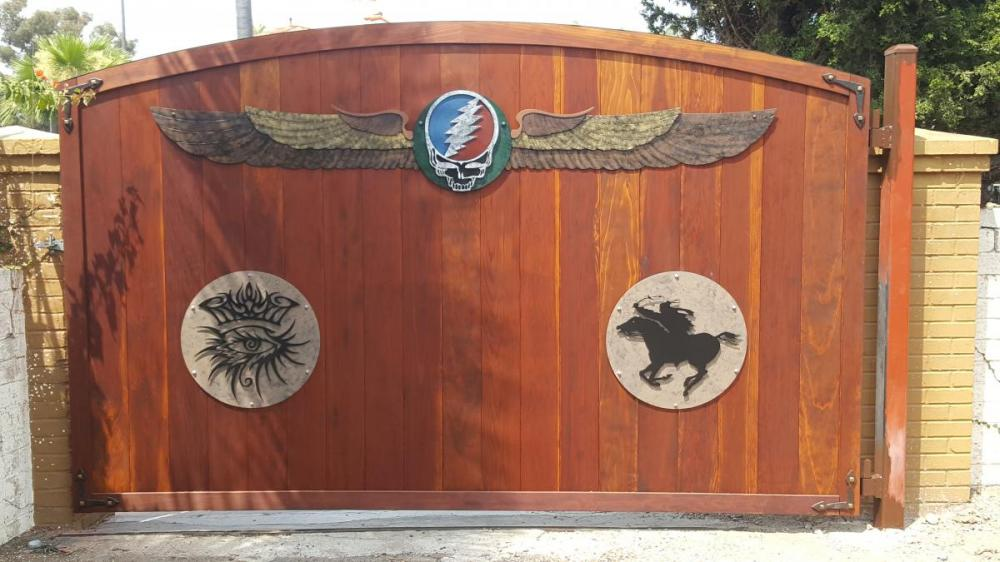 Rock Icons Gate  Redwood/Steel
